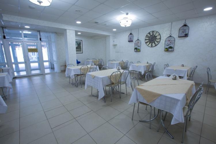 Отель «Гранд Прибой» в Анапе: ресторан