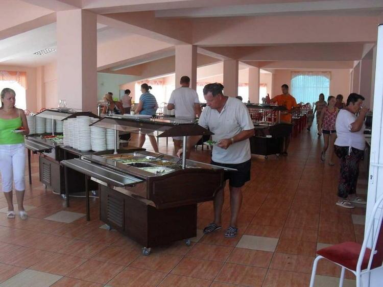 """Курортный отель с аквапарком """"Фея-3"""" в Джемете: незабываемый отдых All Inclusive для детей и взрослых"""