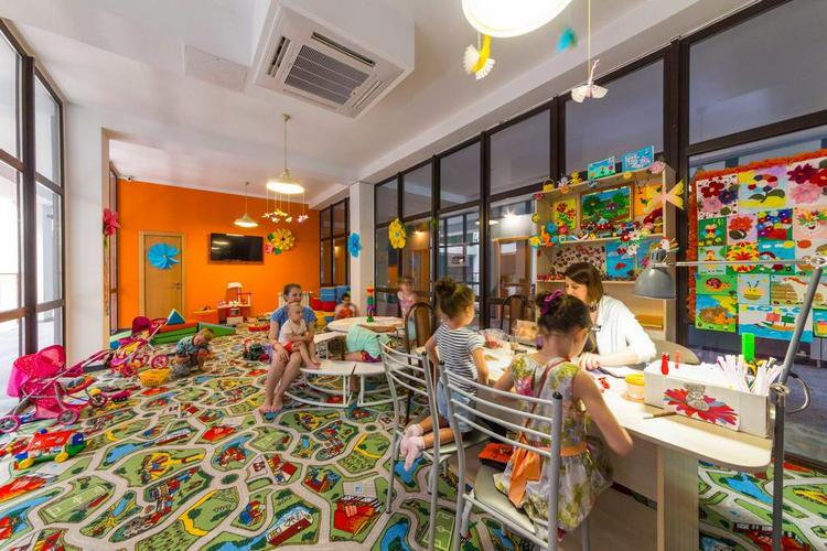 Отель Beton Brut в Анапе: детская комната и развлечения для детей