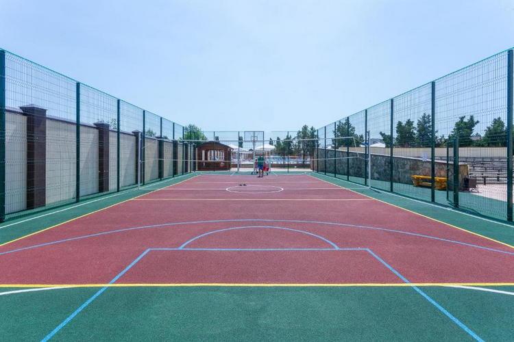 Отель «Славянка» в Анапе: теннисный корт
